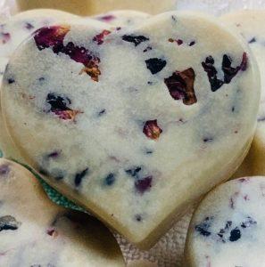 Heart-shaped-rose-massage-bar